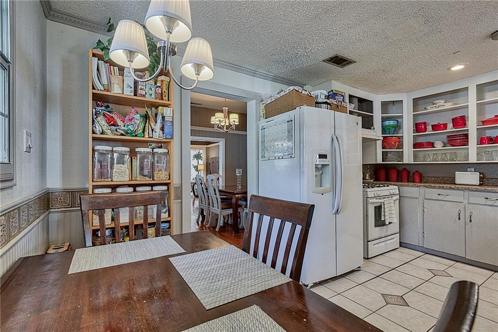 Sold Property | 809 S Montreal Avenue Dallas, Texas 75208 13