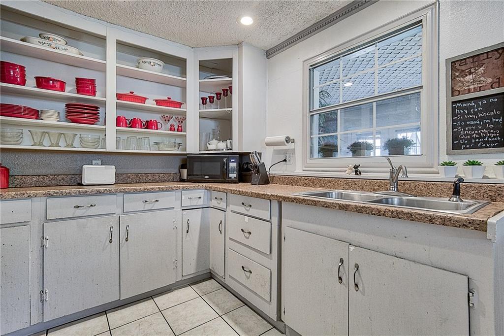 Sold Property | 809 S Montreal Avenue Dallas, Texas 75208 14