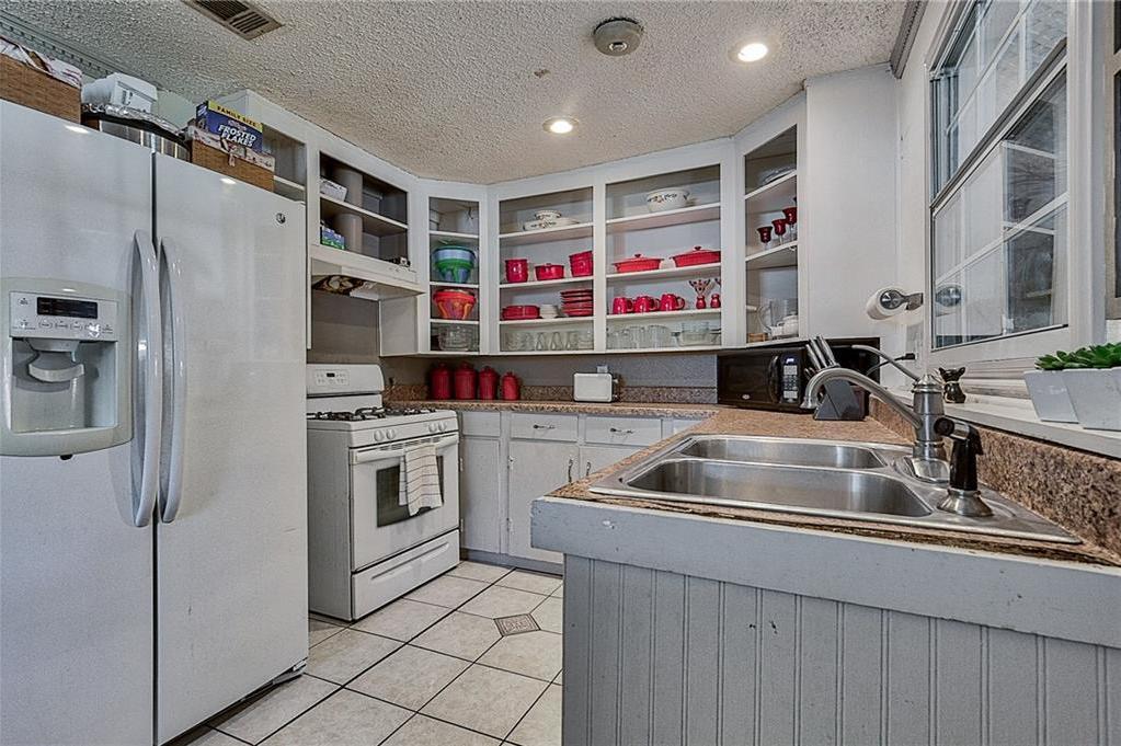 Sold Property | 809 S Montreal Avenue Dallas, Texas 75208 15