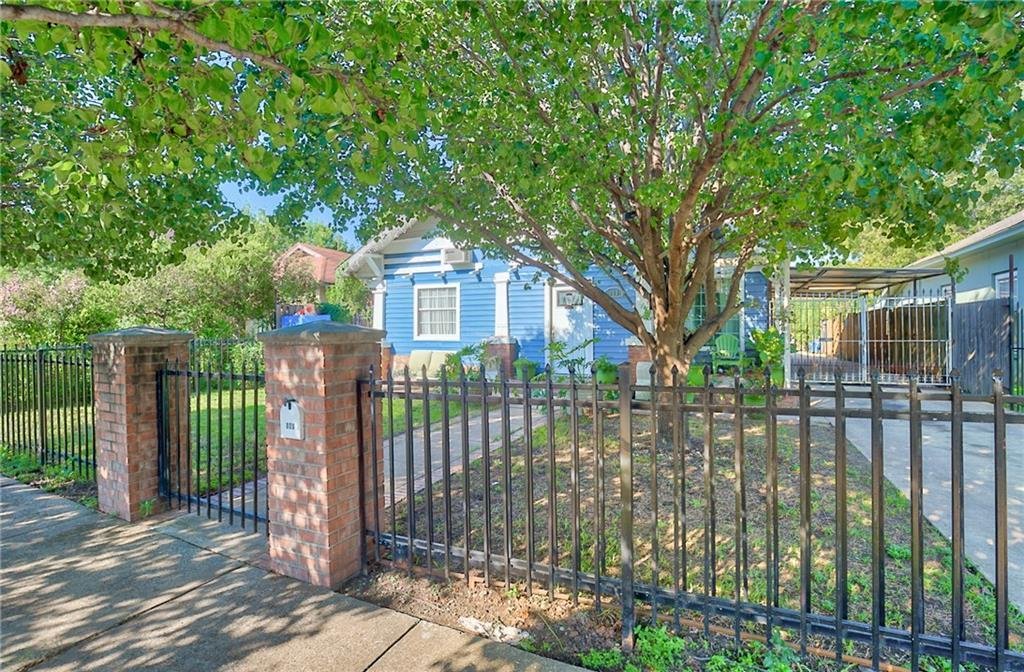 Sold Property | 809 S Montreal Avenue Dallas, Texas 75208 3