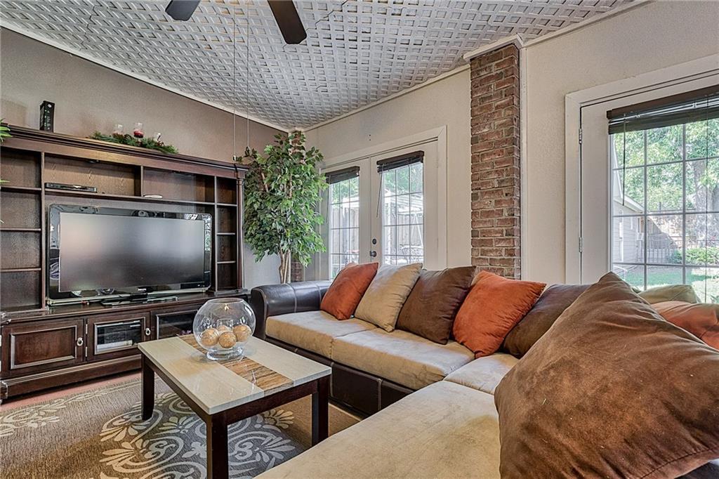 Sold Property | 809 S Montreal Avenue Dallas, Texas 75208 23