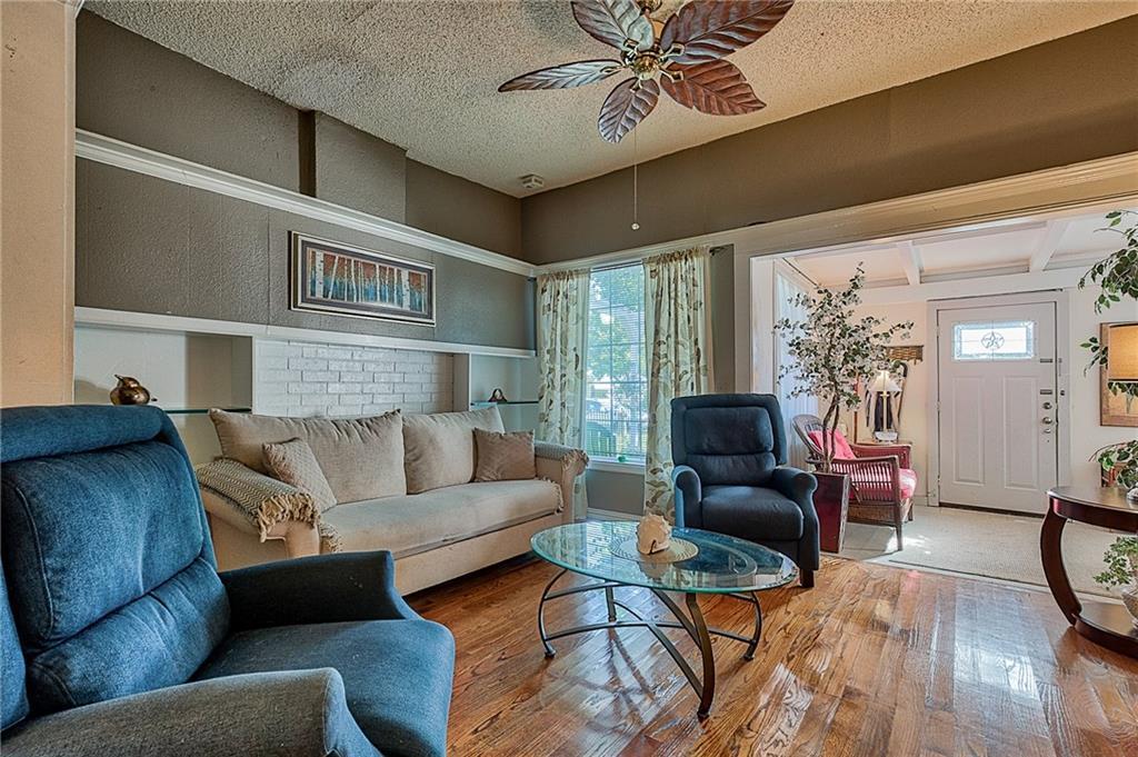 Sold Property | 809 S Montreal Avenue Dallas, Texas 75208 7