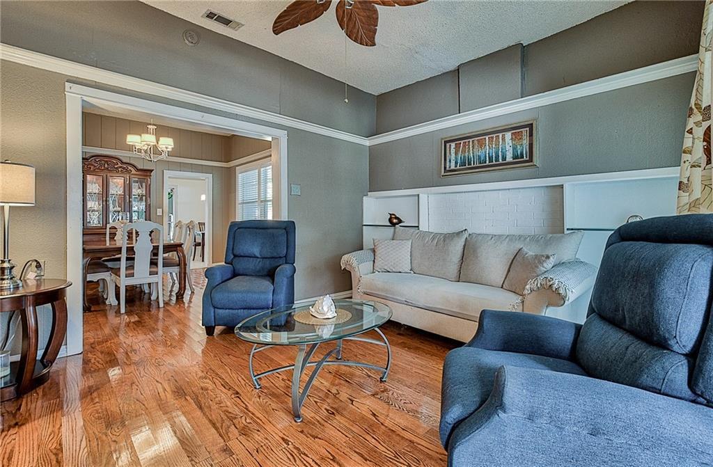 Sold Property | 809 S Montreal Avenue Dallas, Texas 75208 8