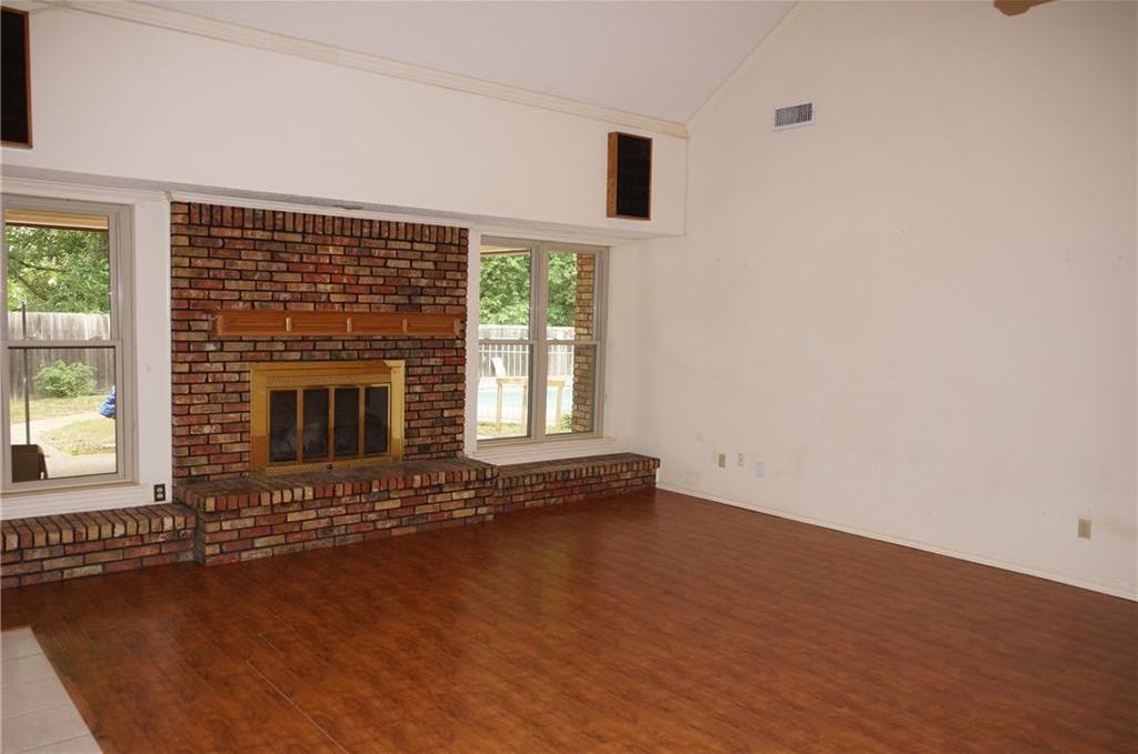Sold Property | 406 Lantern Ridge Court Mansfield, Texas 76063 3