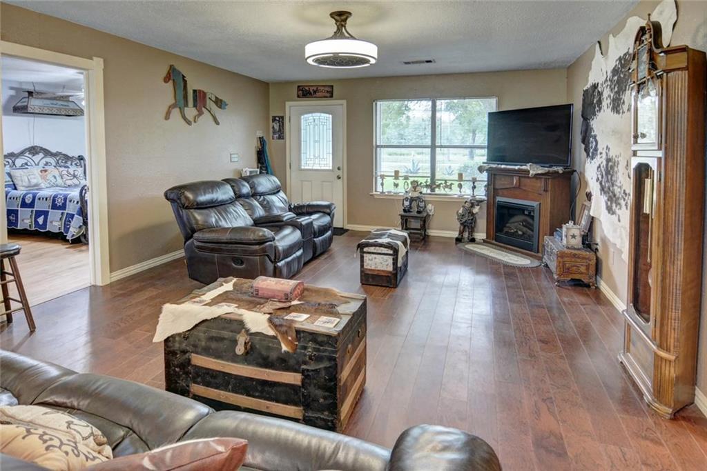 Sold Property | 236 E Keanahalululu Lane Bastrop, TX 78602 6