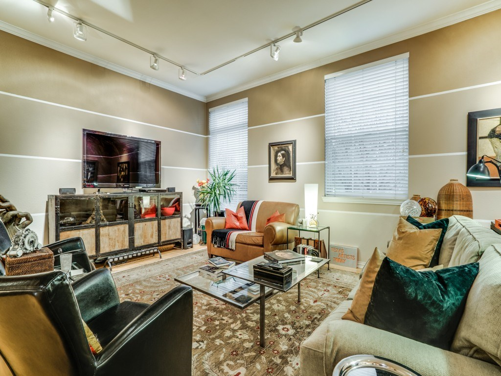 Sold Property | 2305 Worthington Street #217 Dallas, TX 75204 5