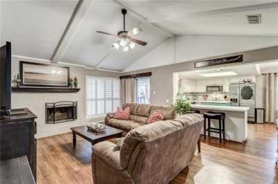 Sold Property | 6304 Llano Drive Edgecliff Village, Texas 76134 2