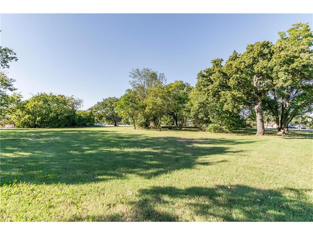 Active | 611 Cypress Street Argyle, Texas 76226 0