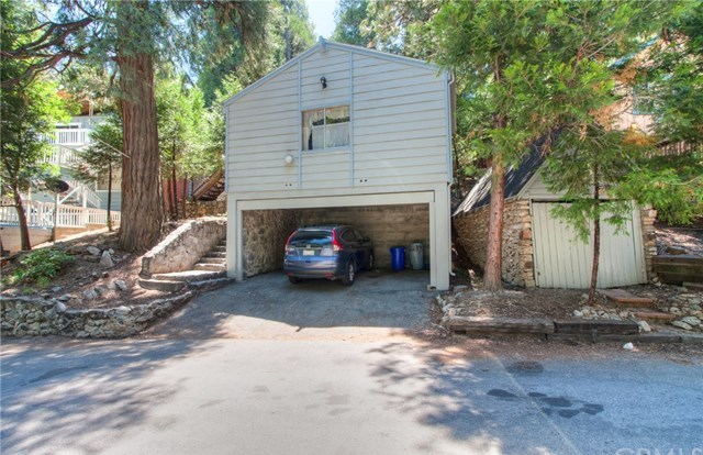 Closed | 23813 Wildwood Lane Crestline, CA 92325 1