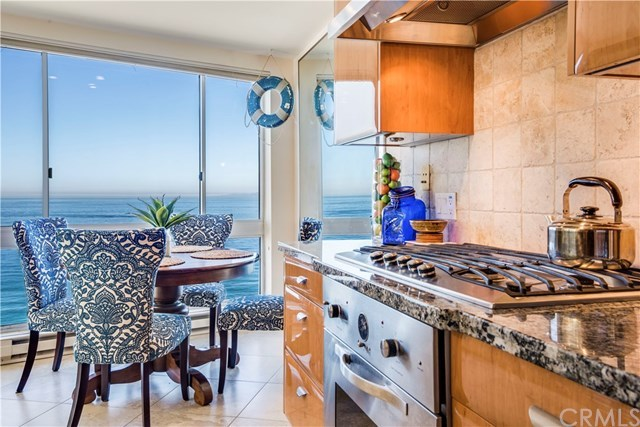 Closed | 565 Esplanade   #216 Redondo Beach, CA 90277 14