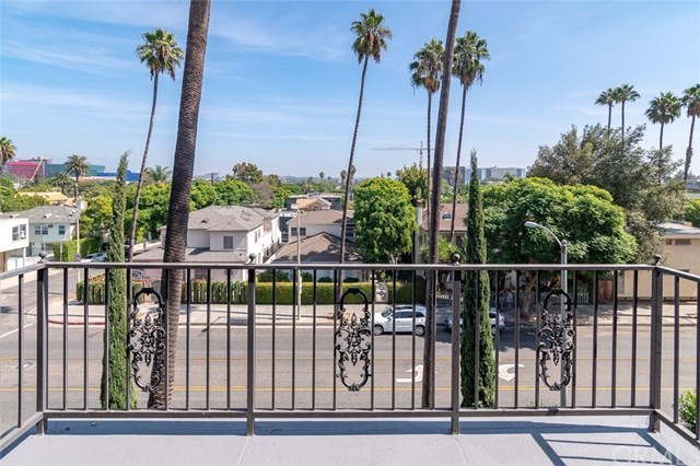 Closed | 439 N Doheny Drive #302 Beverly Hills, CA 90210 6