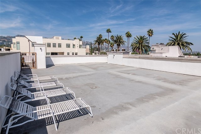 Closed | 439 N Doheny Drive #302 Beverly Hills, CA 90210 53
