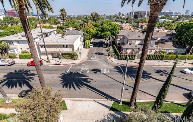 Closed | 439 N Doheny Drive #302 Beverly Hills, CA 90210 57