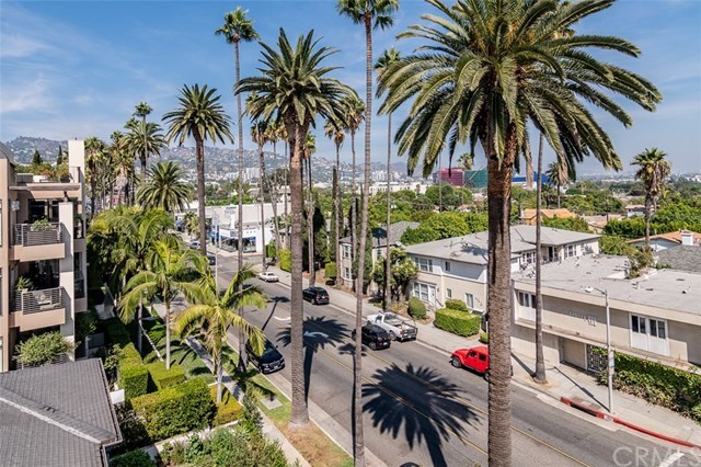Closed | 439 N Doheny Drive #302 Beverly Hills, CA 90210 73