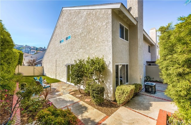 Off Market | 5041 E Almond Avenue #7 Orange, CA 92869 2