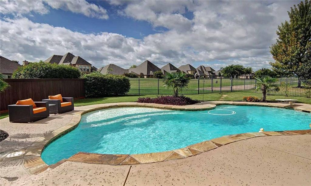 Sold Property | 904 Thomas Crossing Drive Fort Worth, Texas 76028 3
