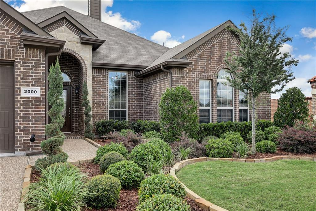 Sold Property | 2000 Fossil Mesa Way Fort Worth, Texas 76131 4