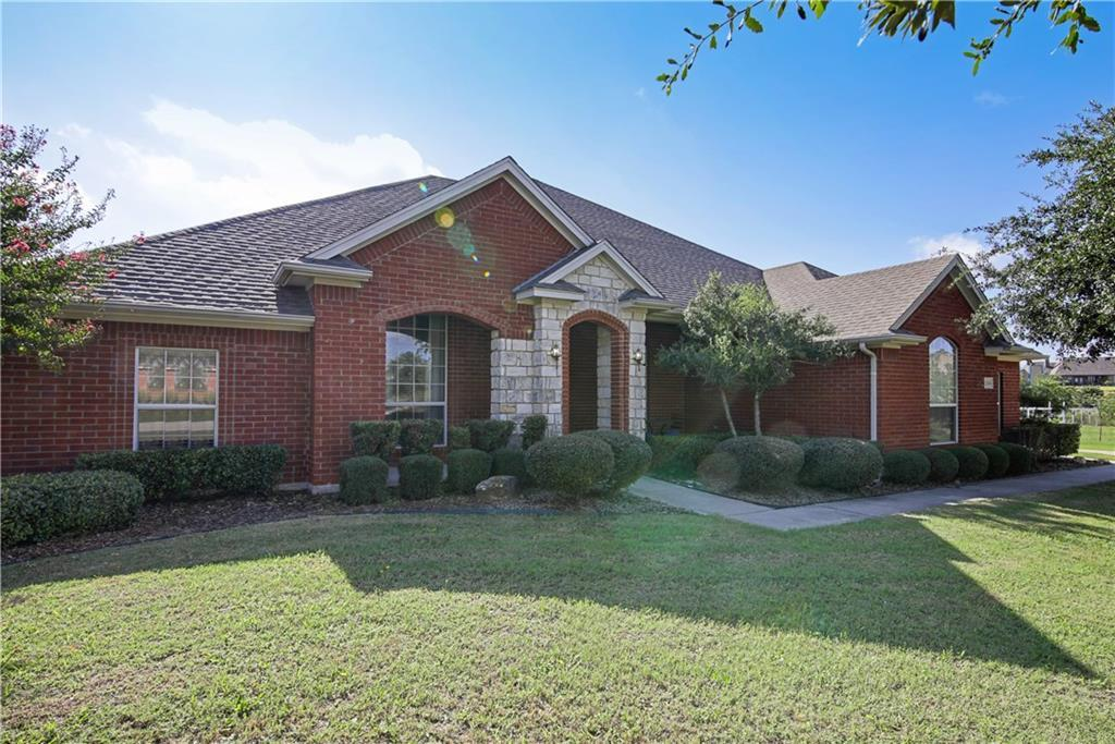 Sold Property | 1104 Brown Circle Rhome, Texas 76078 2