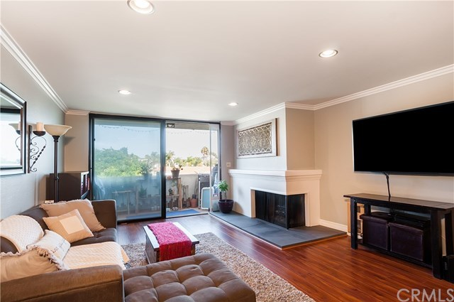 Closed | 745 Main Street #203 El Segundo, CA 90245 1