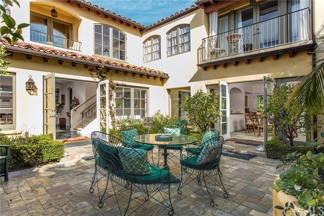 Active | 723 Emerald Bay  Laguna Beach, CA 92651 2