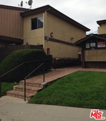 Closed | 7301 LENNOX Avenue #C11 Van Nuys, CA 91405 0