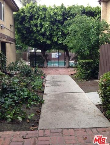 Closed | 7301 LENNOX Avenue #C11 Van Nuys, CA 91405 25