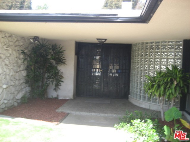 Off Market | 6536 SPRINGPARK Avenue Los Angeles, CA 90056 1