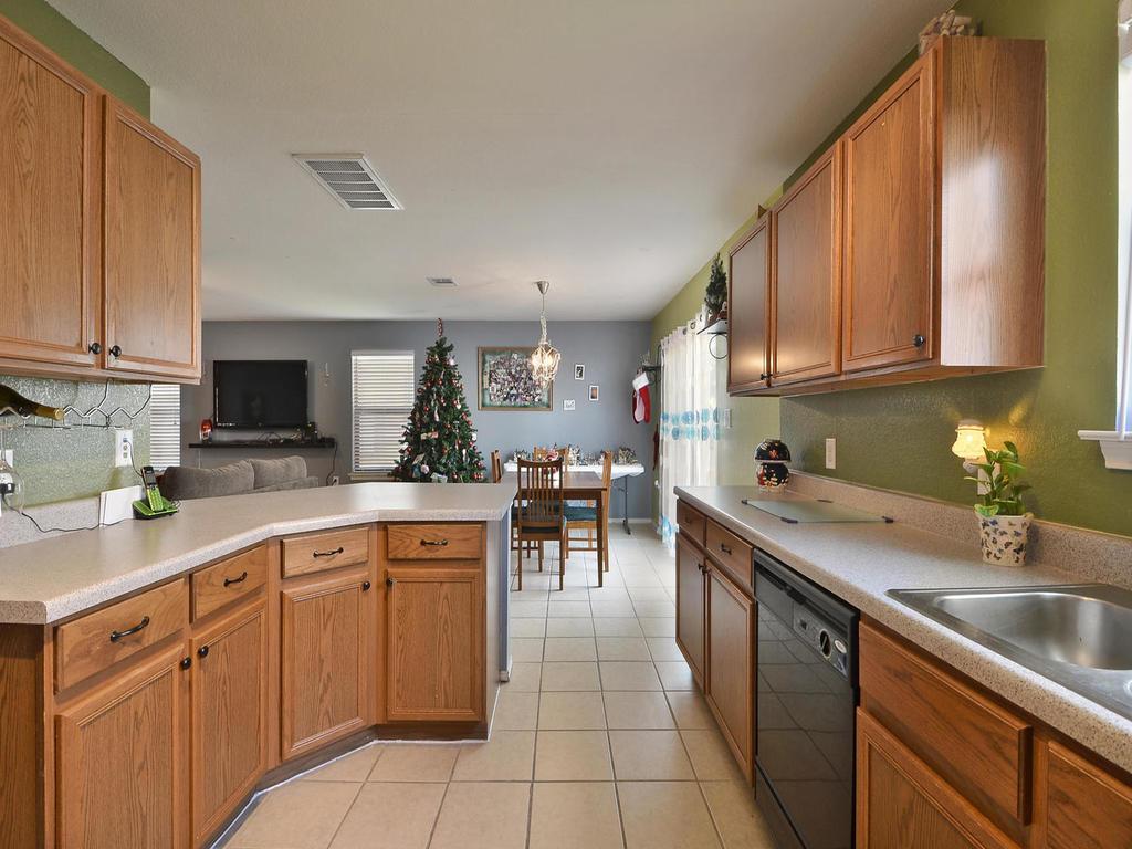 Sold Property | 6632 Quinton DR Austin, TX 78747 10