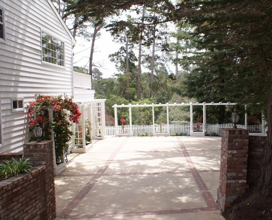 Pending | 53 Alta Mesa Circle Monterey, CA 93940 2