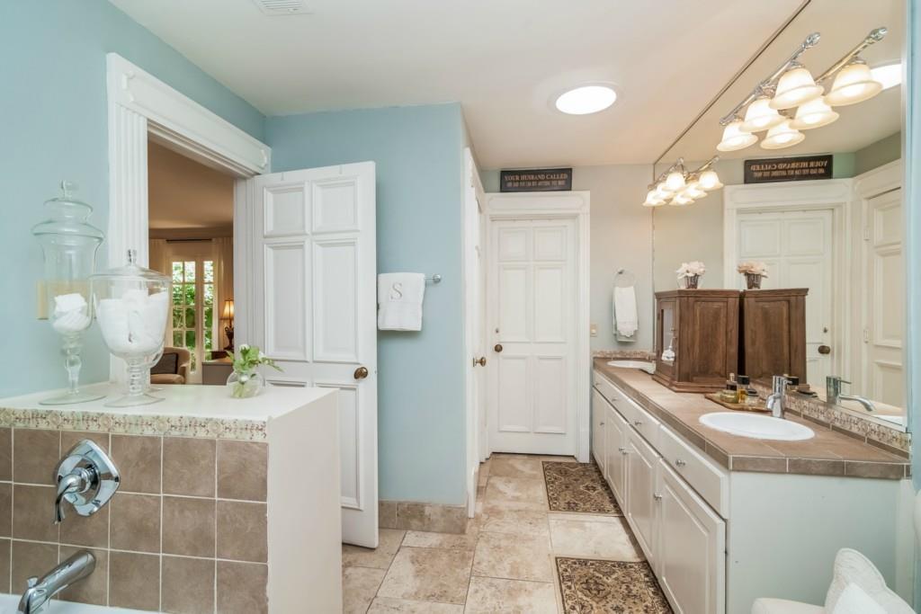 Sold Property | 4013 Far West  Austin, TX 78731 25
