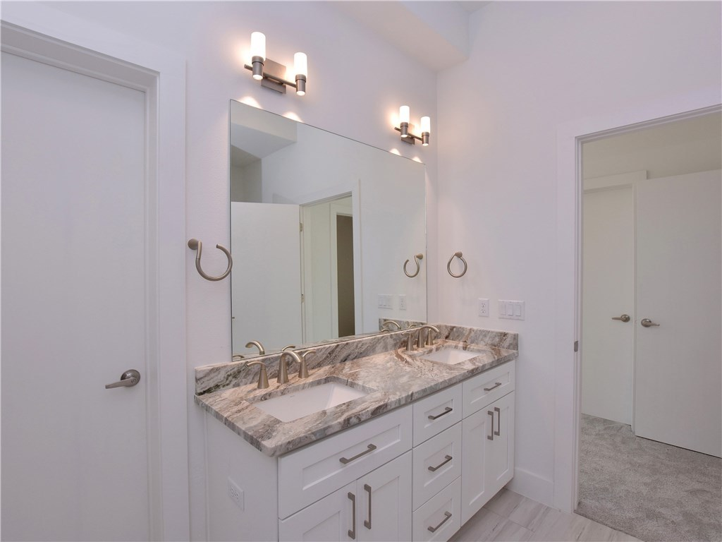 Sold Property | 5402 Woodrow  AVE #B Austin, TX 78756 15