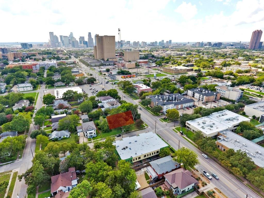 Sold Property | 4528 Live Oak  Street Dallas, TX 75204 3