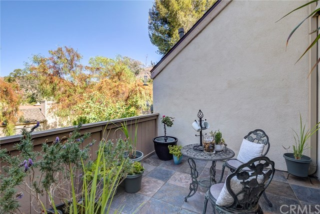 Closed | 5927 E Creekside Avenue #14 Orange, CA 92869 12