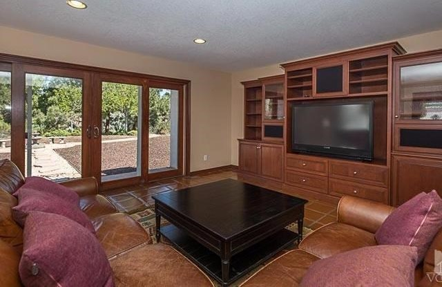 Off Market | 271 W SIDLEE Street Thousand Oaks, CA 91360 9