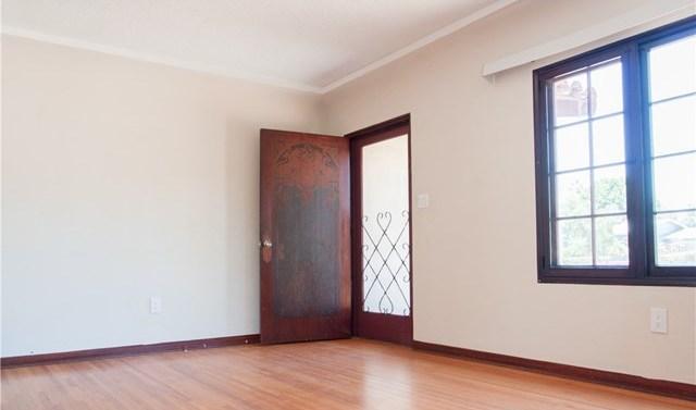 Closed | 15906 devonshire  Granada Hills, CA 91344 6