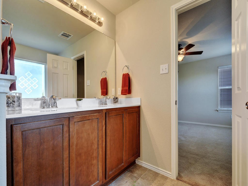 Leased | 1600 Sugarberry LN Austin, TX 78748 21