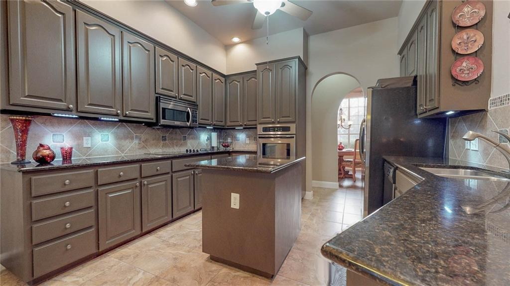 Sold Property | 304 Copperleaf RD Lakeway, TX 78734 2