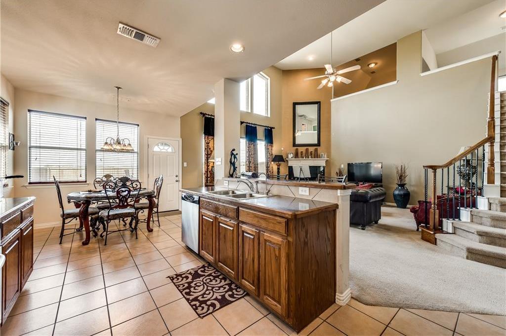 Custom Home Lancaster   1815 Olympus Drive Lancaster, Texas 75134 12