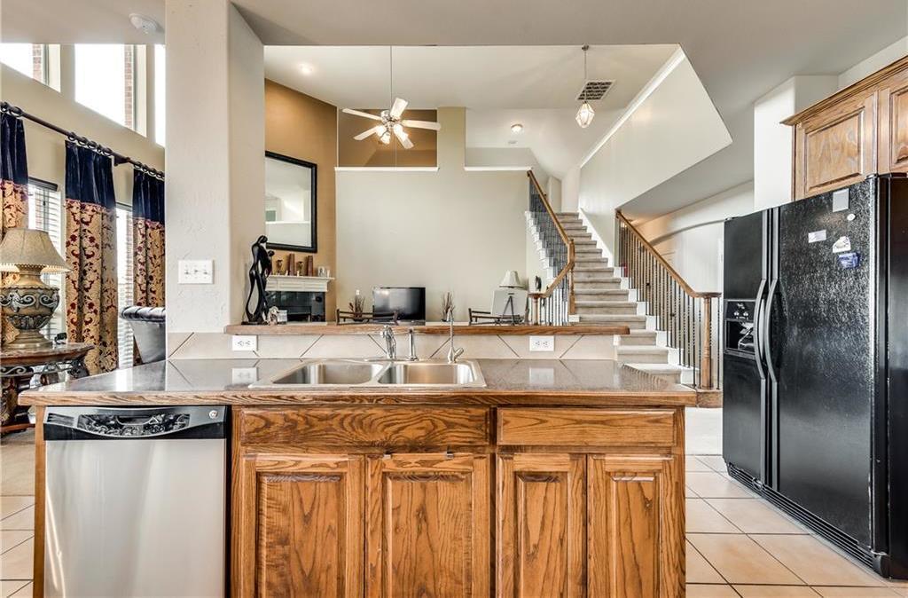 Custom Home Lancaster   1815 Olympus Drive Lancaster, Texas 75134 11