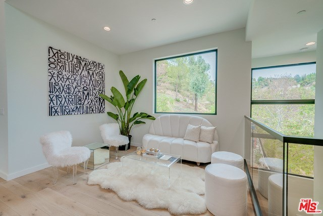Closed | 2675 ASTRAL  Drive Los Angeles, CA 90046 19
