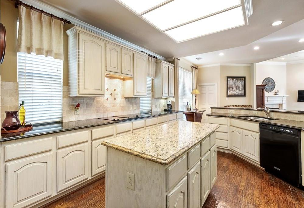 Housed Real Estate  | 4540 Chesterwood Drive Plano, Texas 75093 11