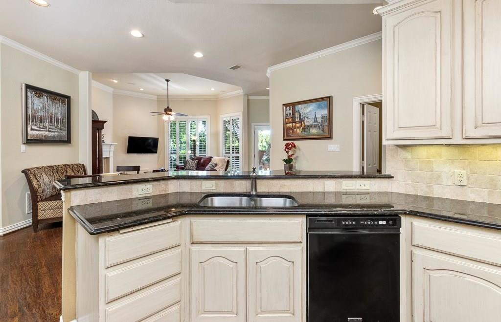 Housed Real Estate  | 4540 Chesterwood Drive Plano, Texas 75093 12