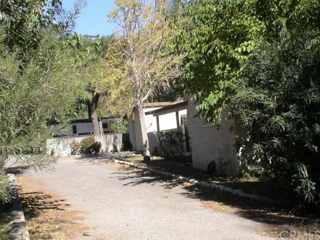 Closed | 15810 Cajon Boulevard San Bernardino, CA 92407 27