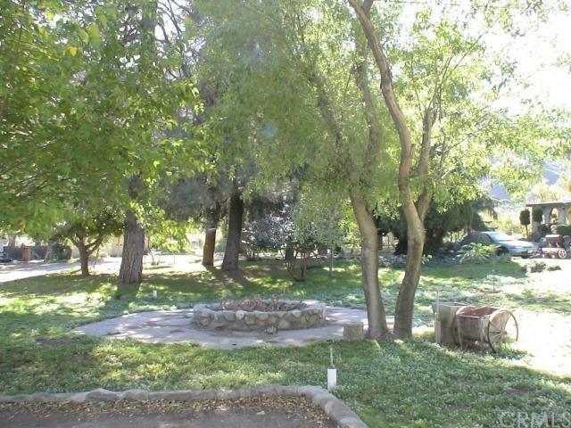 Closed | 15810 Cajon Boulevard San Bernardino, CA 92407 6