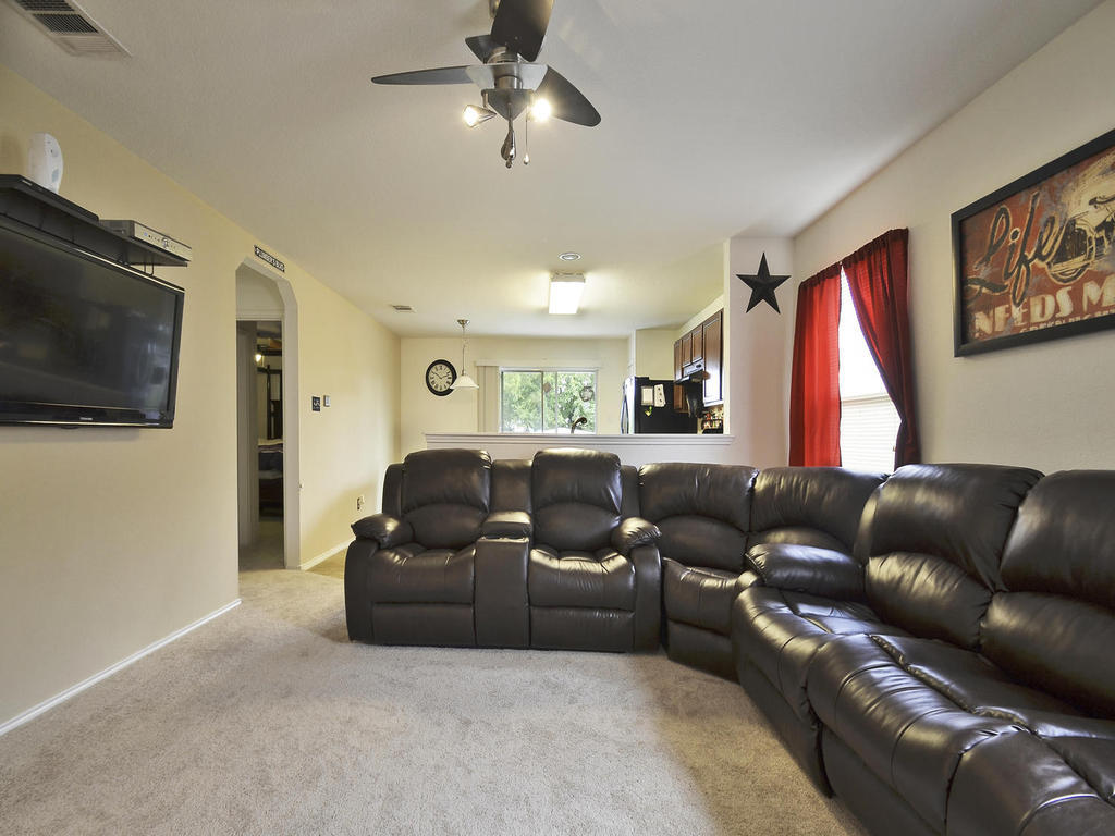 Sold Property   1116 Canada Wild DR Buda, TX 78610 4