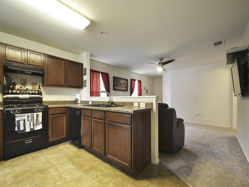 Sold Property   1116 Canada Wild DR Buda, TX 78610 8
