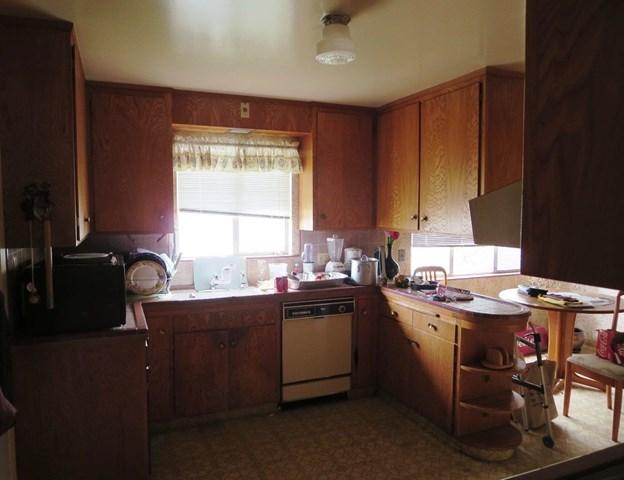 Pending   1570 Edgeworth Avenue Daly City, CA 94015 3