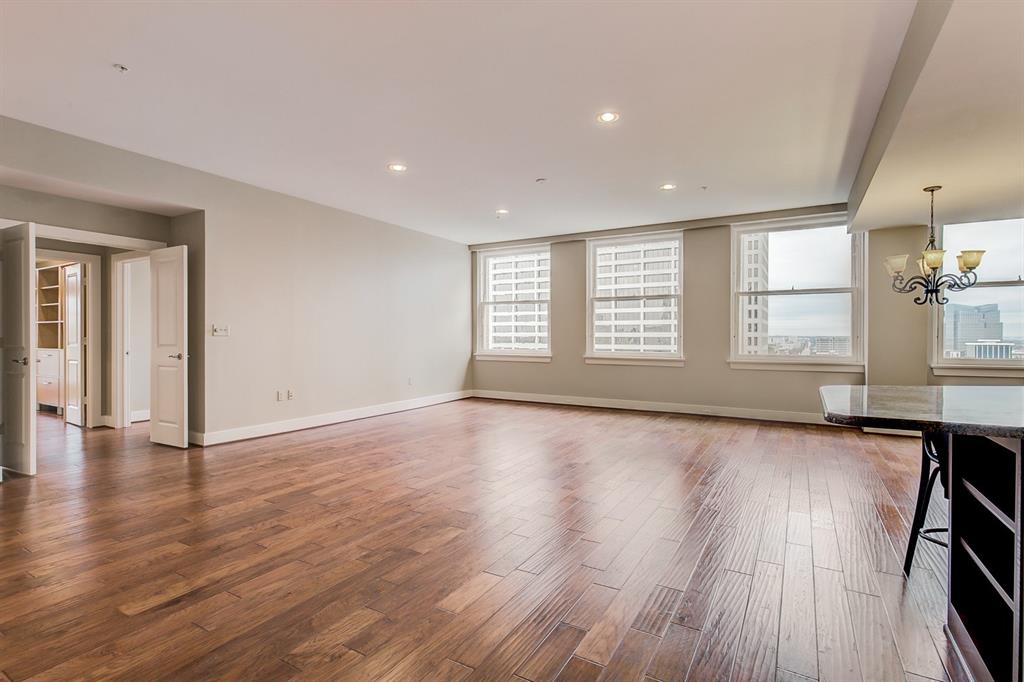 Active   411 W 7th Street #805 Fort Worth, TX 76102 0
