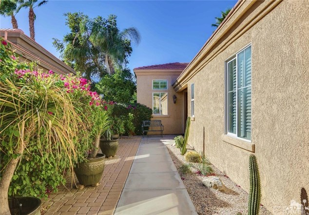 Active Under Contract | 29593 Sandy Court Cathedral City, CA 92234 2