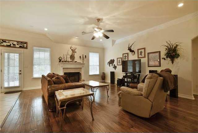 Sold Property | 1906 Moeta Drive Austin, TX 78734 3